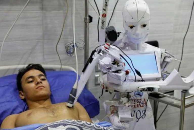 Νοσηλευτής… ρομπότ στη μάχη κατά του κορονοϊού