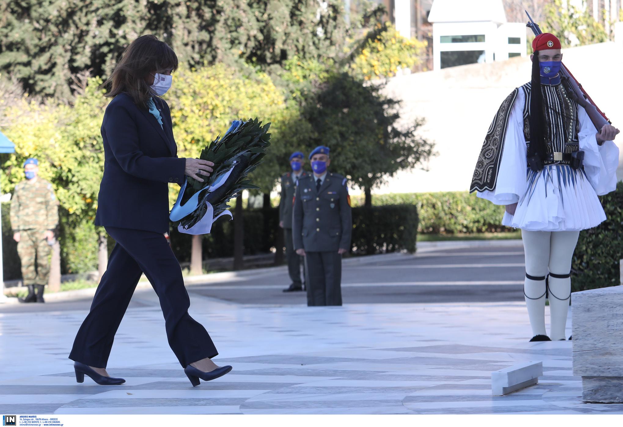 Σακελλαροπούλου: Σεβασμός και ευγνωμοσύνη για τον αγώνα των Ενόπλων Δυνάμεων