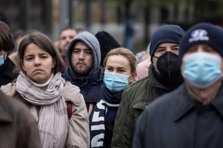 Νέα μέτρα και δραματική κατάσταση στην Σερβία με σχεδόν 7.000 νέα κρούσματα κορονοϊού σε 24 ώρες
