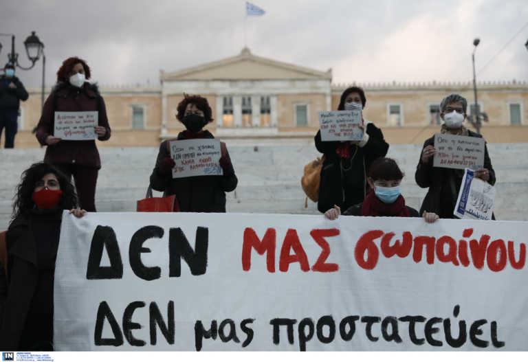 Χρυσοχοΐδης: Υπερβολή η σύλληψη των 9 γυναικών ζητώ συγνώμη
