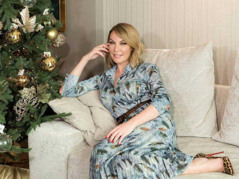 Τατιάνα Στεφανίδου: Έτσι στόλισε το σπίτι της για τα Χριστούγεννα! Το εντυπωσιακό χριστουγενιάτικο δέντρο
