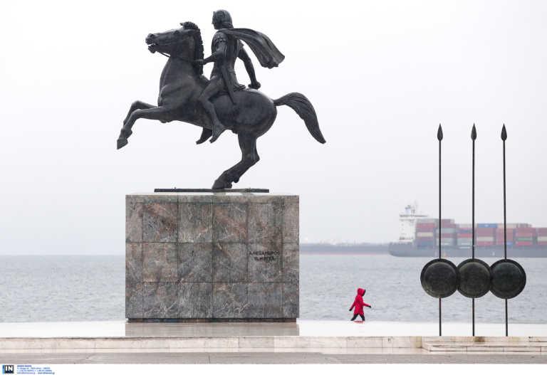 Θεσσαλονίκη – Κορονοϊός: Η μοναξιά της καραντίνας και τα τηλέφωνα στους αστυνομικούς που προκαλούν συζητήσεις (video)