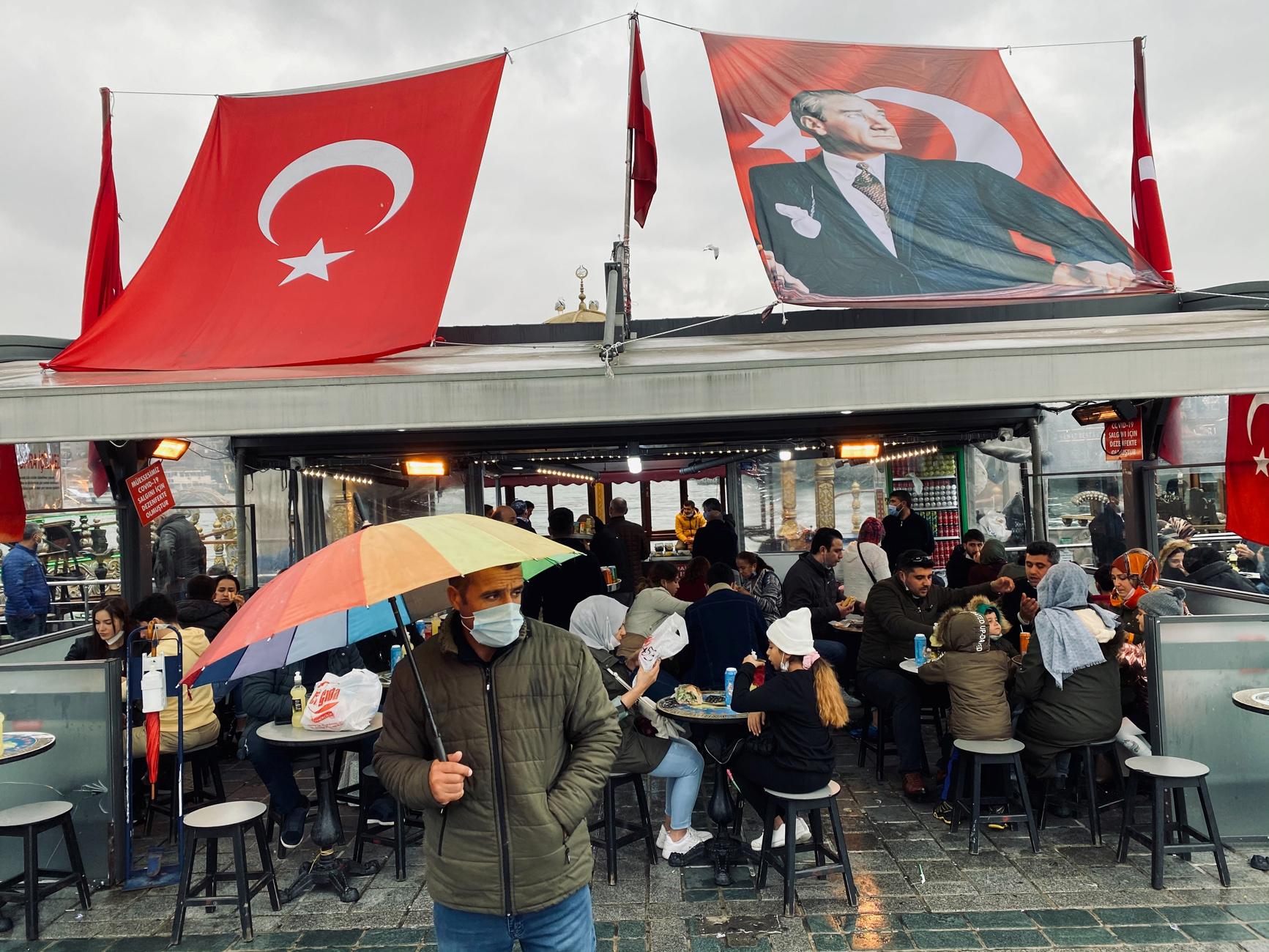Τουρκία: Πάνω από 5.000 κρούσματα και 141 νεκροί το τελευταίο 24ωρο