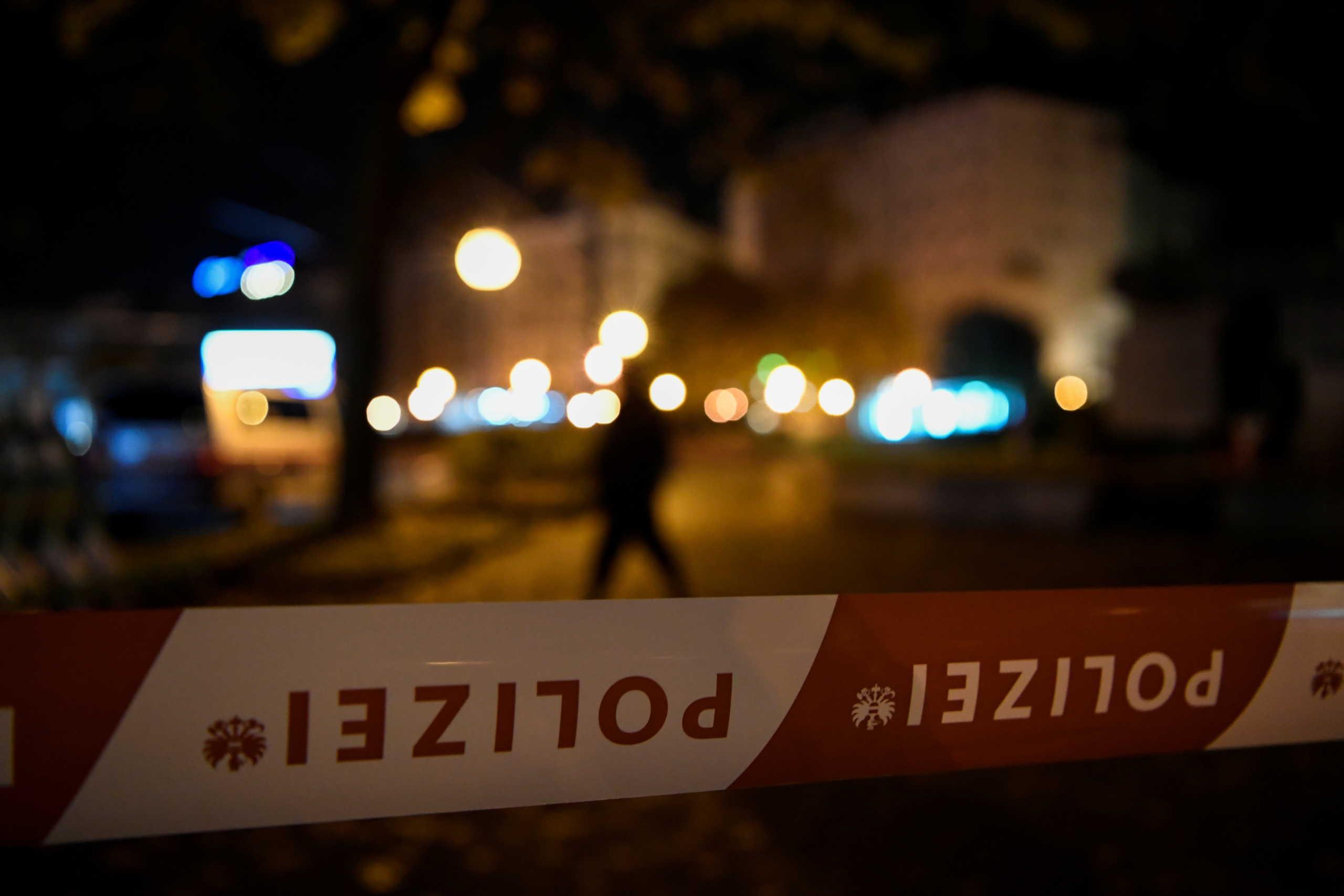 """Βιέννη: """"Κύμα"""" συμπαράστασης προς την Αυστρία μετά το μακελειό – """"Το μίσος δεν έχει χώρο στην Ευρώπη"""""""