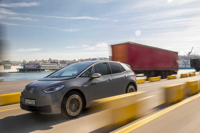 VW ID.3: Δοκιμάζουμε στην Ελλάδα το νέο επαναστατικό ηλεκτρικό! [pics]