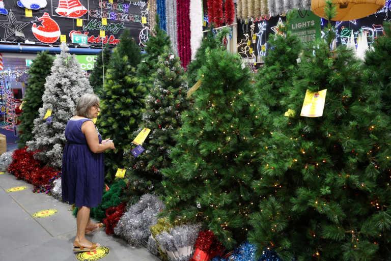 Κορονοϊός: Αυστηρότερα μέτρα στην Ουαλία για να προλάβουν τα Χριστούγεννα