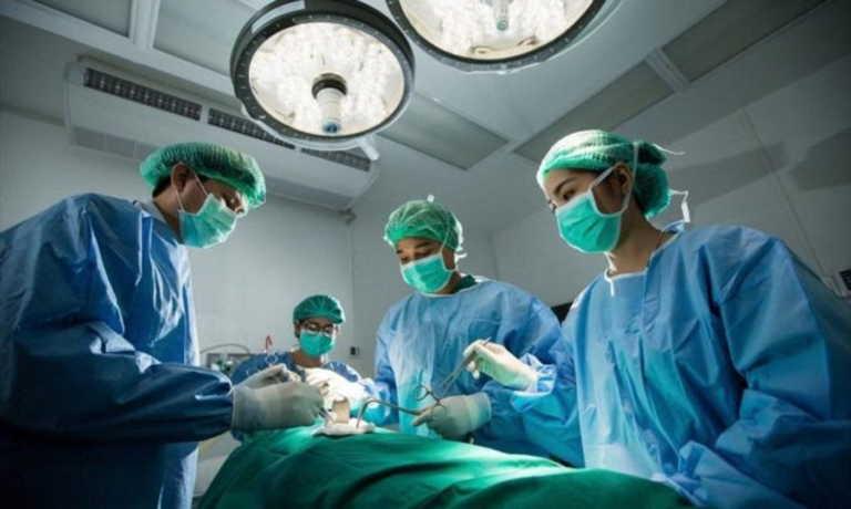Νοσοκομειακοί γιατροί: Να ανακληθεί το μέτρο της μείωσης ως 80% των χειρουργικών επεμβάσεων
