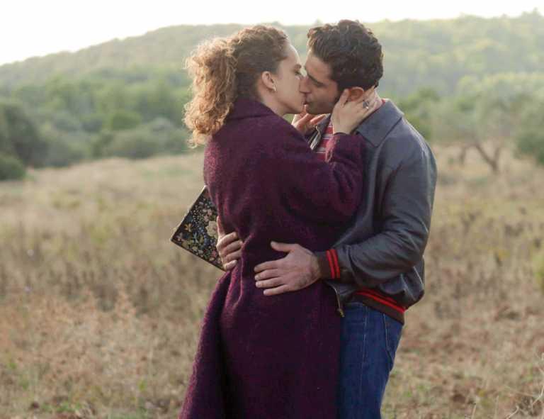 Τα καυτά φιλιά Ασημίνας – Μπάμπη θα ταράξουν το Διαφάνι στις Άγριες Μέλισσες! Φωτογραφίες