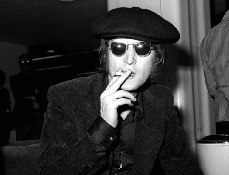 Δέκα Έλληνες καλλιτέχνες διασκευάζουν John Lennon