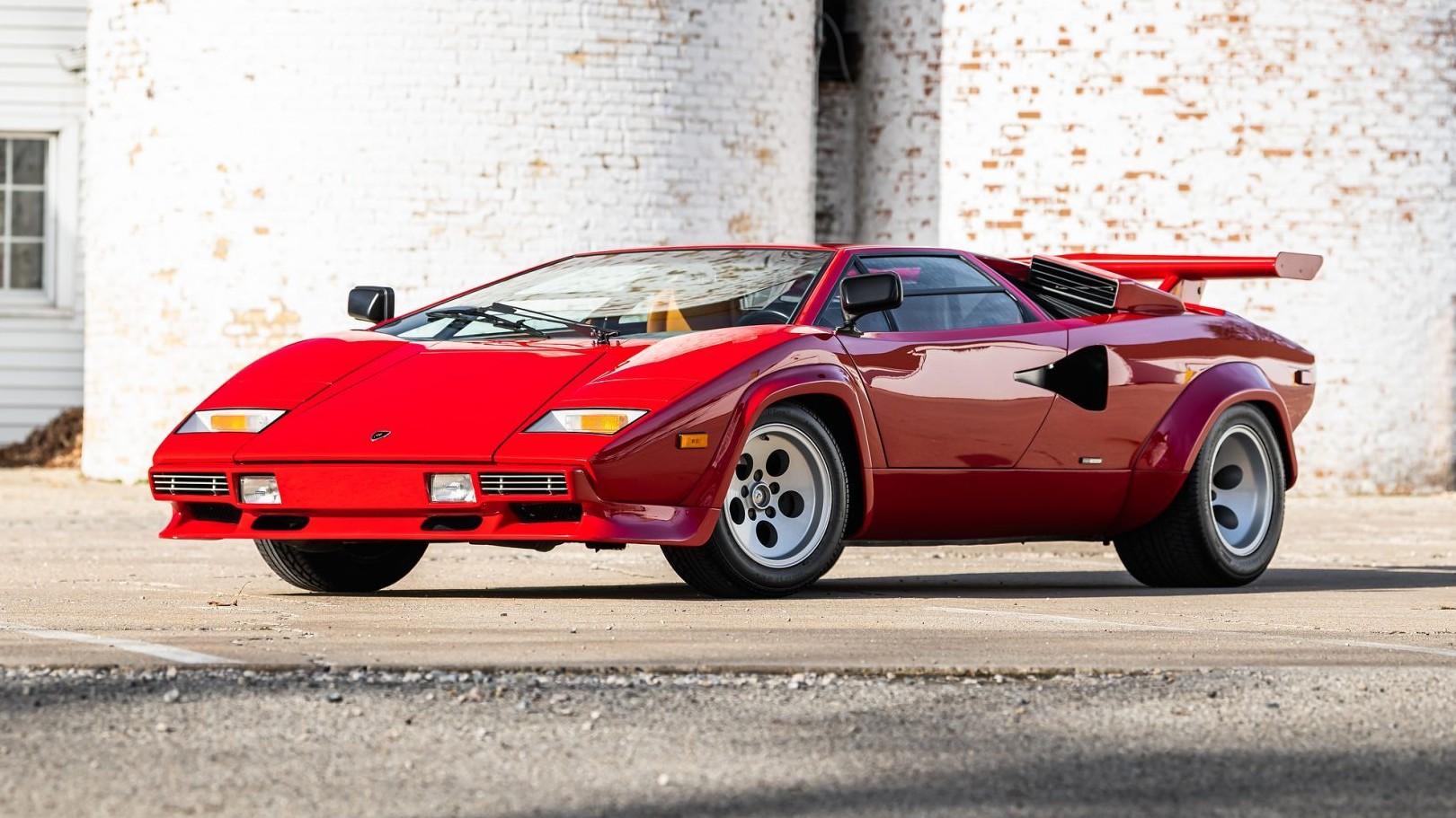 Αυτή η Lamborghini Countach LP400 S πουλήθηκε έναντι $425.000 [vid]