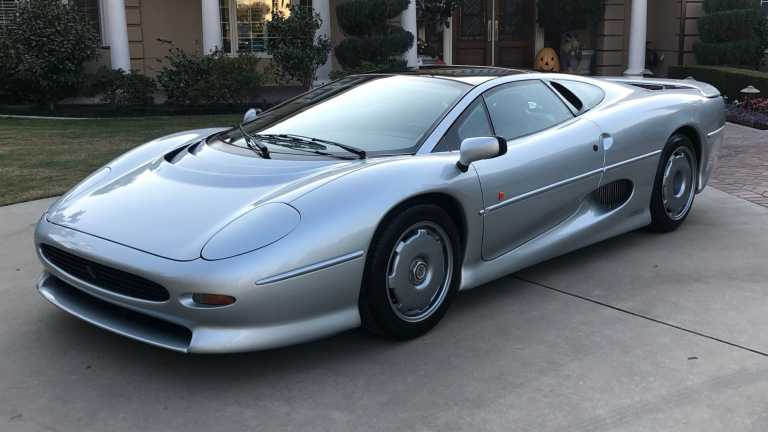 Πόσο πουλιέται σήμερα μια Jaguar XJ220;