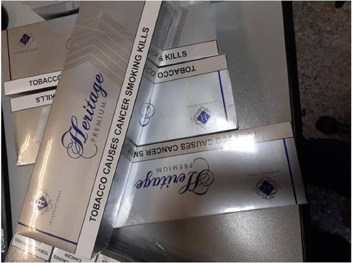 Μπλόκο σε λαθραία τσιγάρα εκατομμυρίων στο λιμάνι του Πειραιά! (pics)