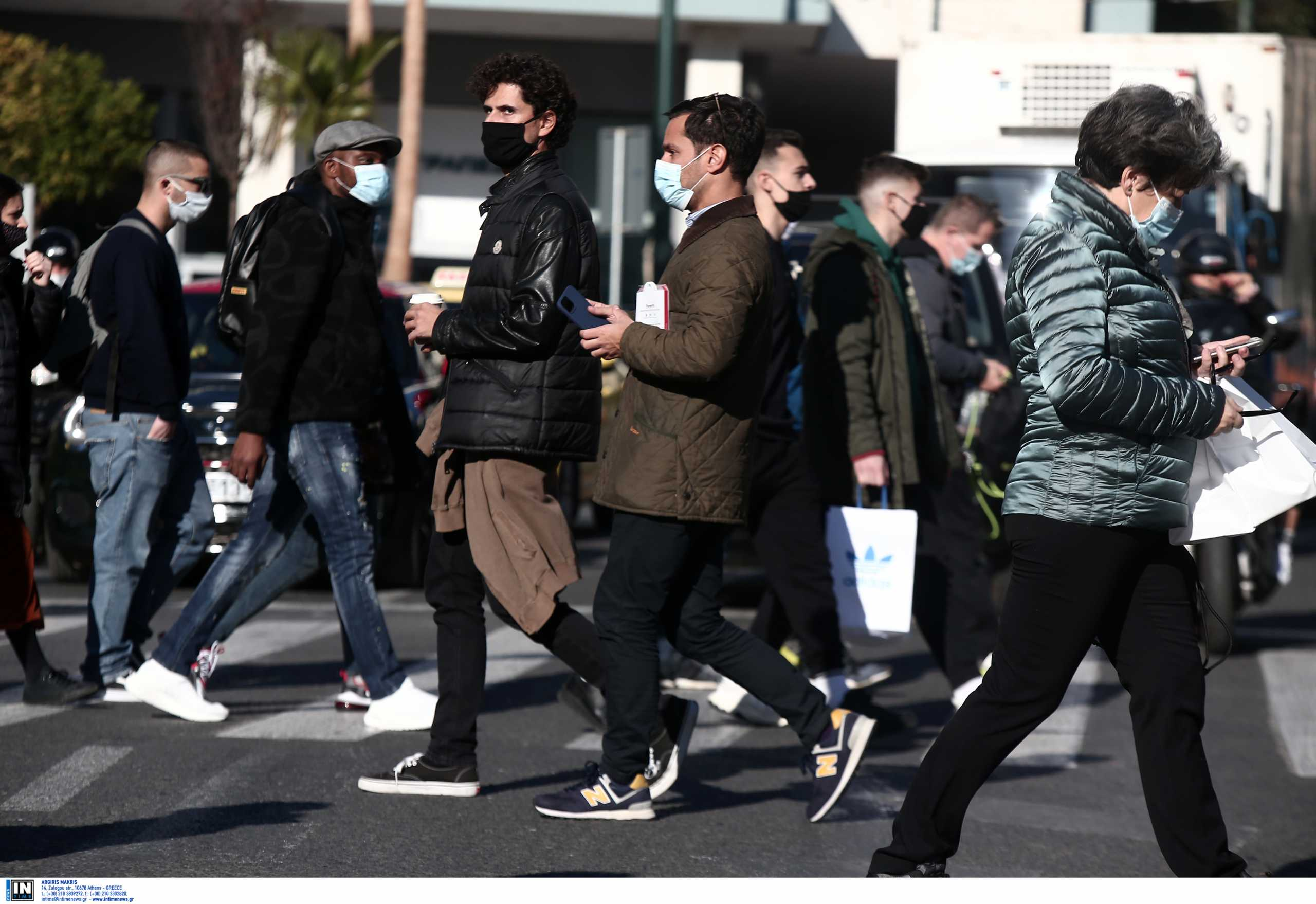 Κορονοϊός: «Πονοκέφαλος» η Δυτική Αττική – Πώς κατανέμονται τα 216 κρούσματα στον νομό