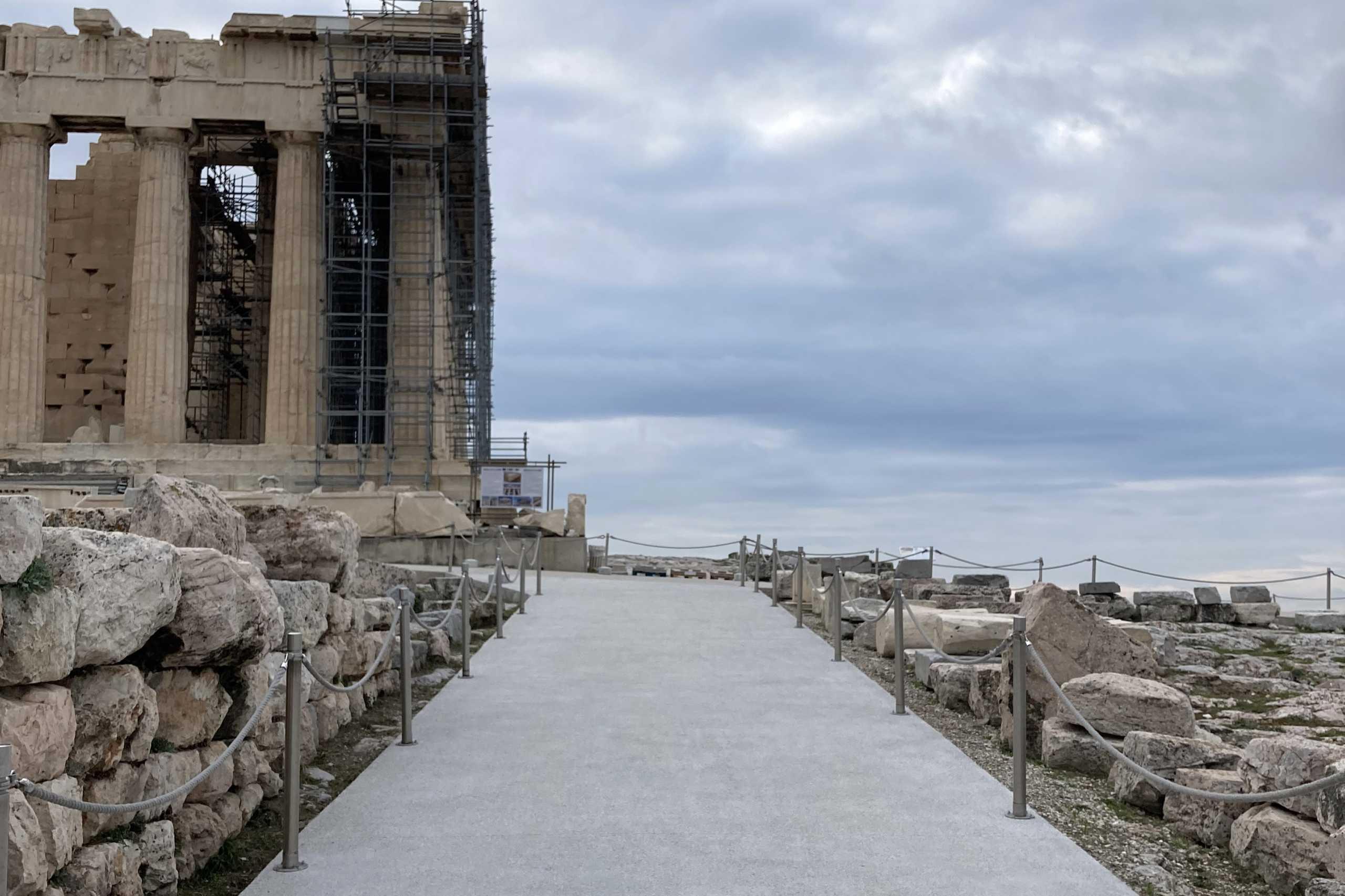 Εξηγήσεις του Υπουργείου Πολιτισμού για την Ακρόπολη που πλημμύρισε από τη βροχή