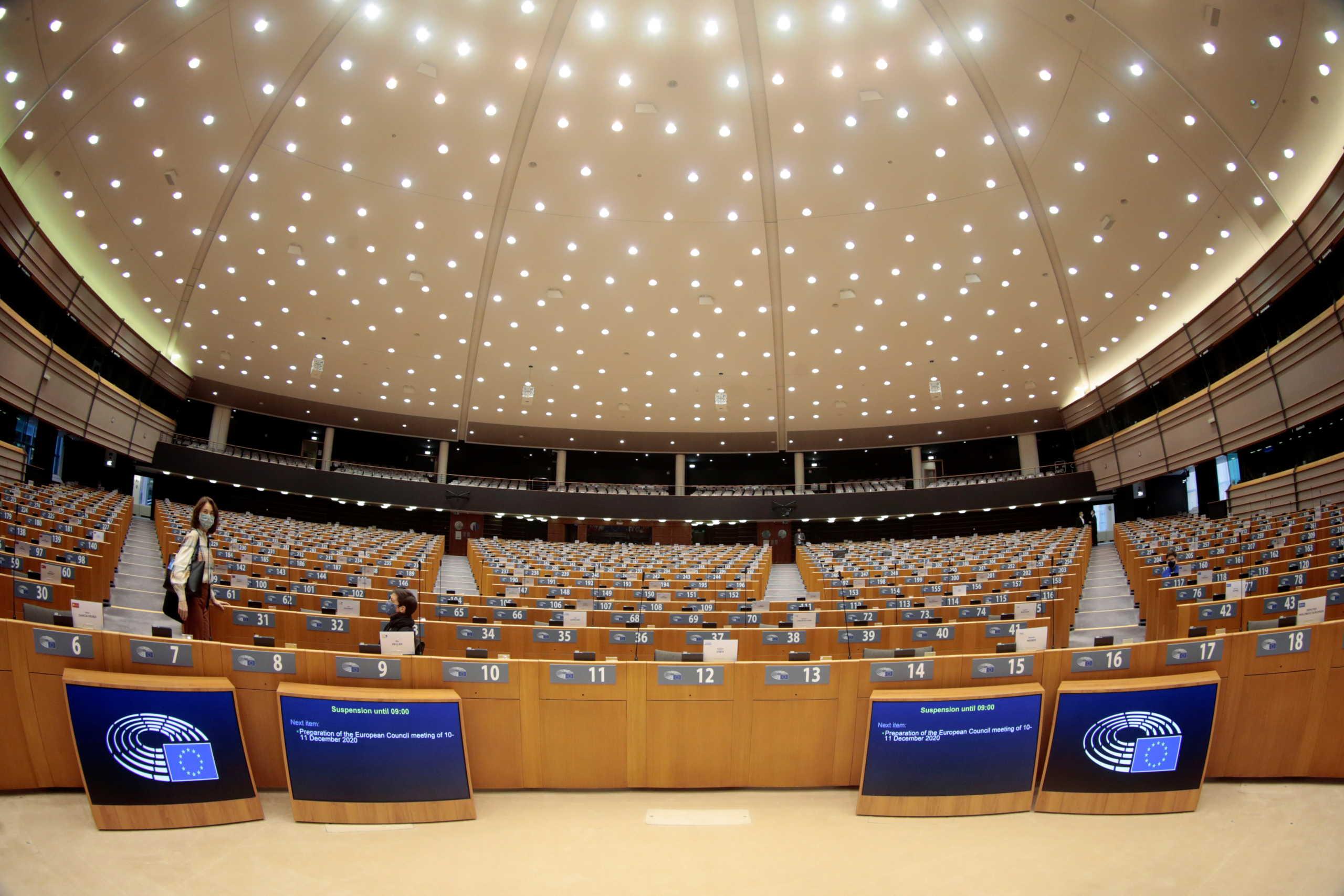 Brexit: Παράταση στην προσωρινή συμφωνία ζητά η ΕΕ