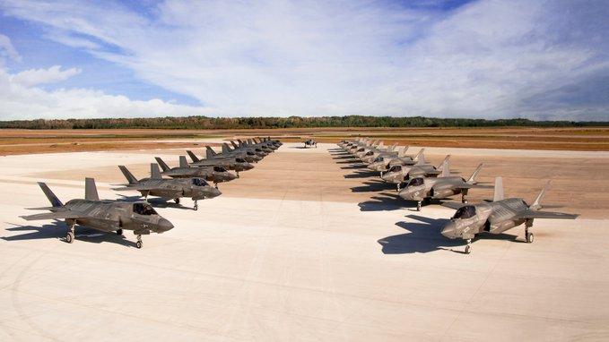 """Το """"έχασαν"""" οι Αμερικανοί: Τρομακτική επίδειξη ισχύος με τα stealth μαχητικά αεροσκάφη F-35! [pic]"""