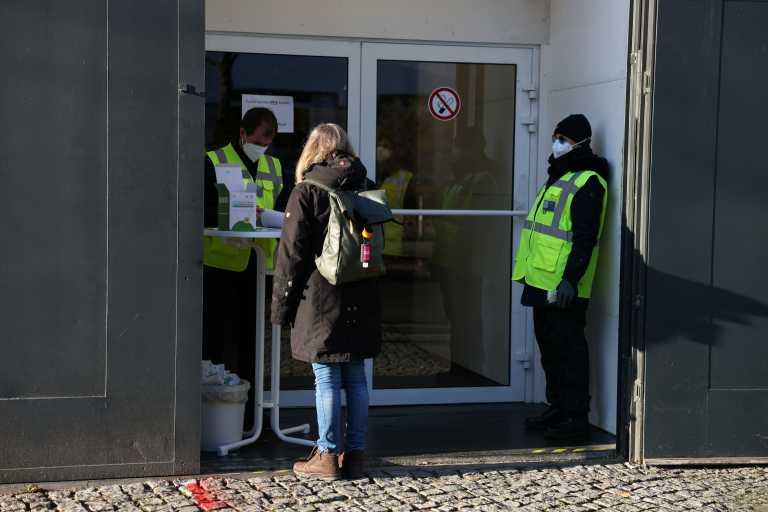 Γερμανία: 980 νεκροί και πάνω από 18.500 τα νέα κρούσματα κορονοϊού