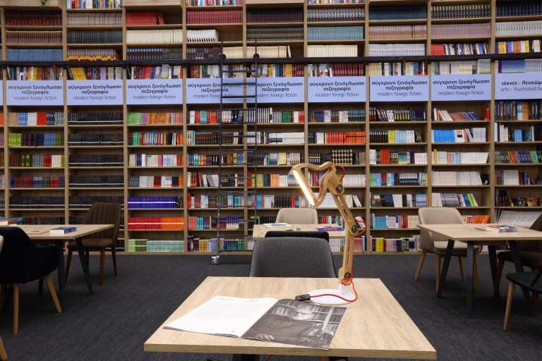 Ανοικτά για επίσκεψη τα βιβλιοπωλεία των Public και το τμήμα χαρτικών χωρίς ραντεβού