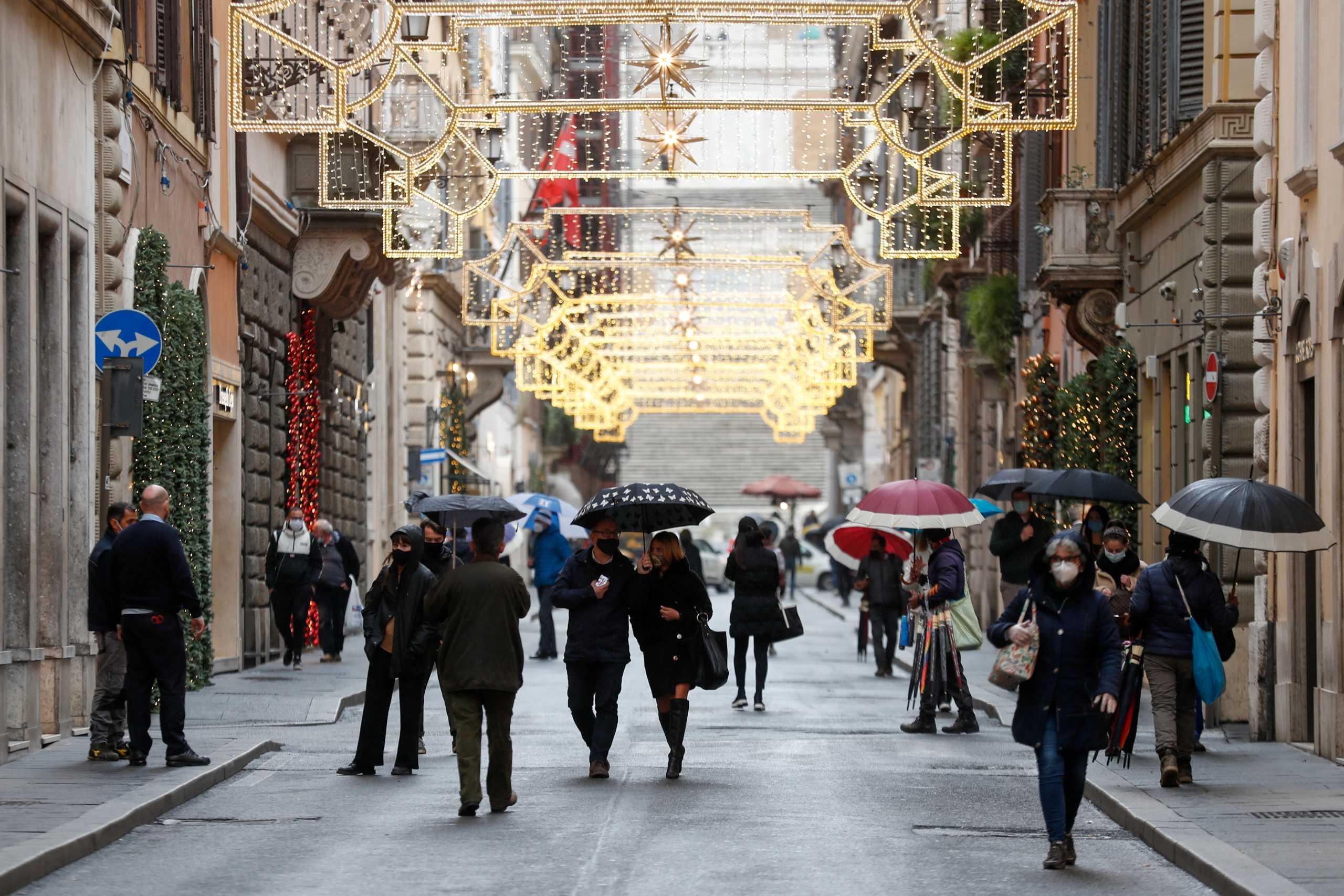Ιταλία: Σκληρά μέτρα τα Σαββατοκύριακα και… χαλαρά τις καθημερινές