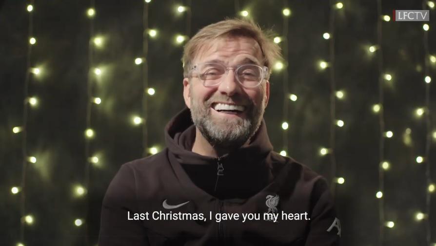 Ο Κλοπ σε ρόλο Τζόρτζ Μάικλ, τραγούδησε το «Last Christmas» (video)