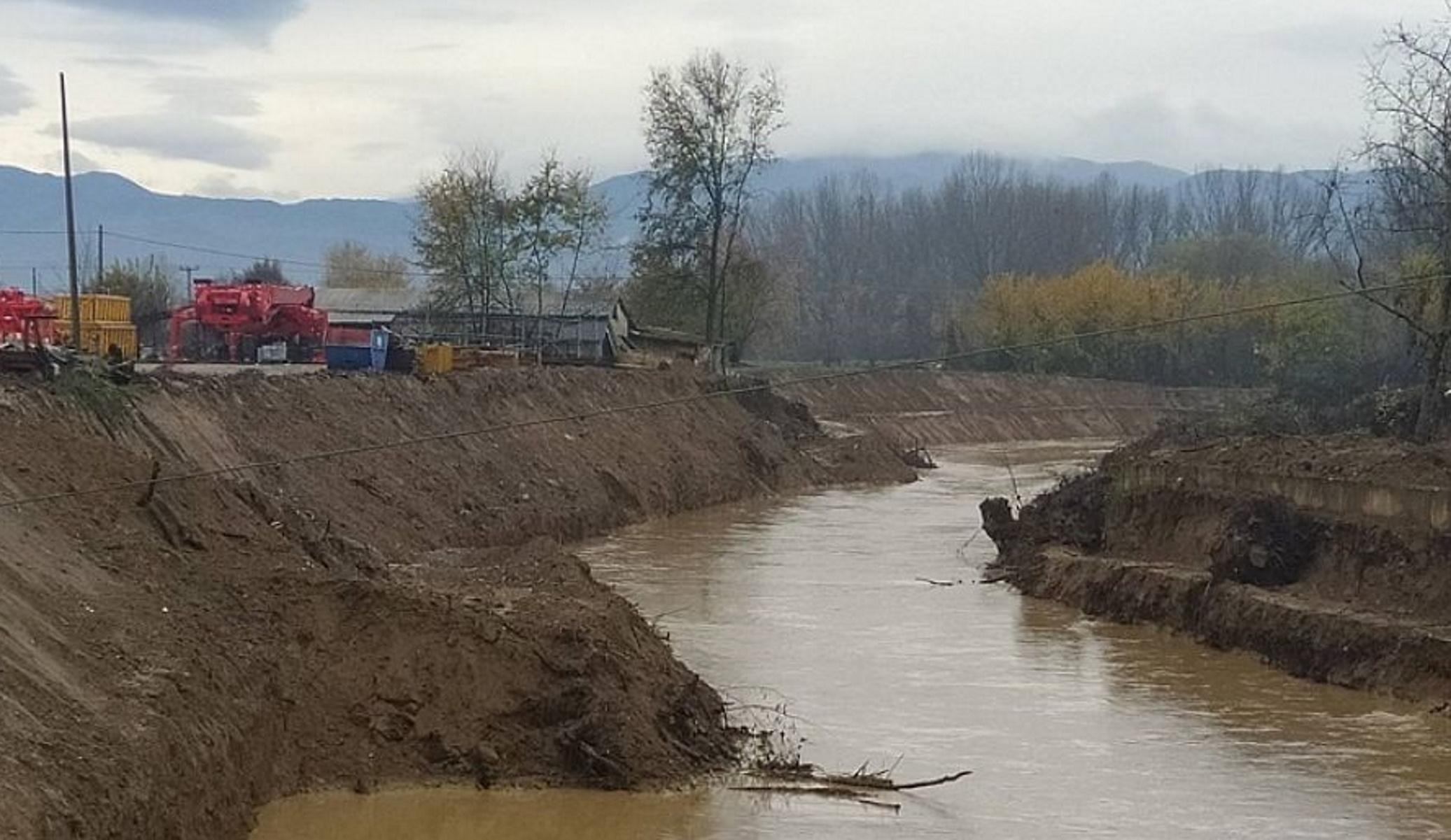 Καιρός: Μετράει «πληγές» από τις σφοδρές βροχοπτώσεις η Καρδίτσα – Κατέρρευσε γέφυρα (pics, video)