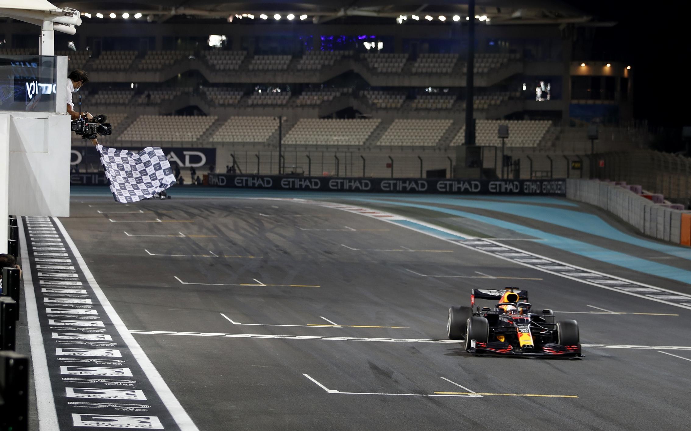 Formula 1: «Αυλαία» με νικητή τον Φερστάπεν (video)