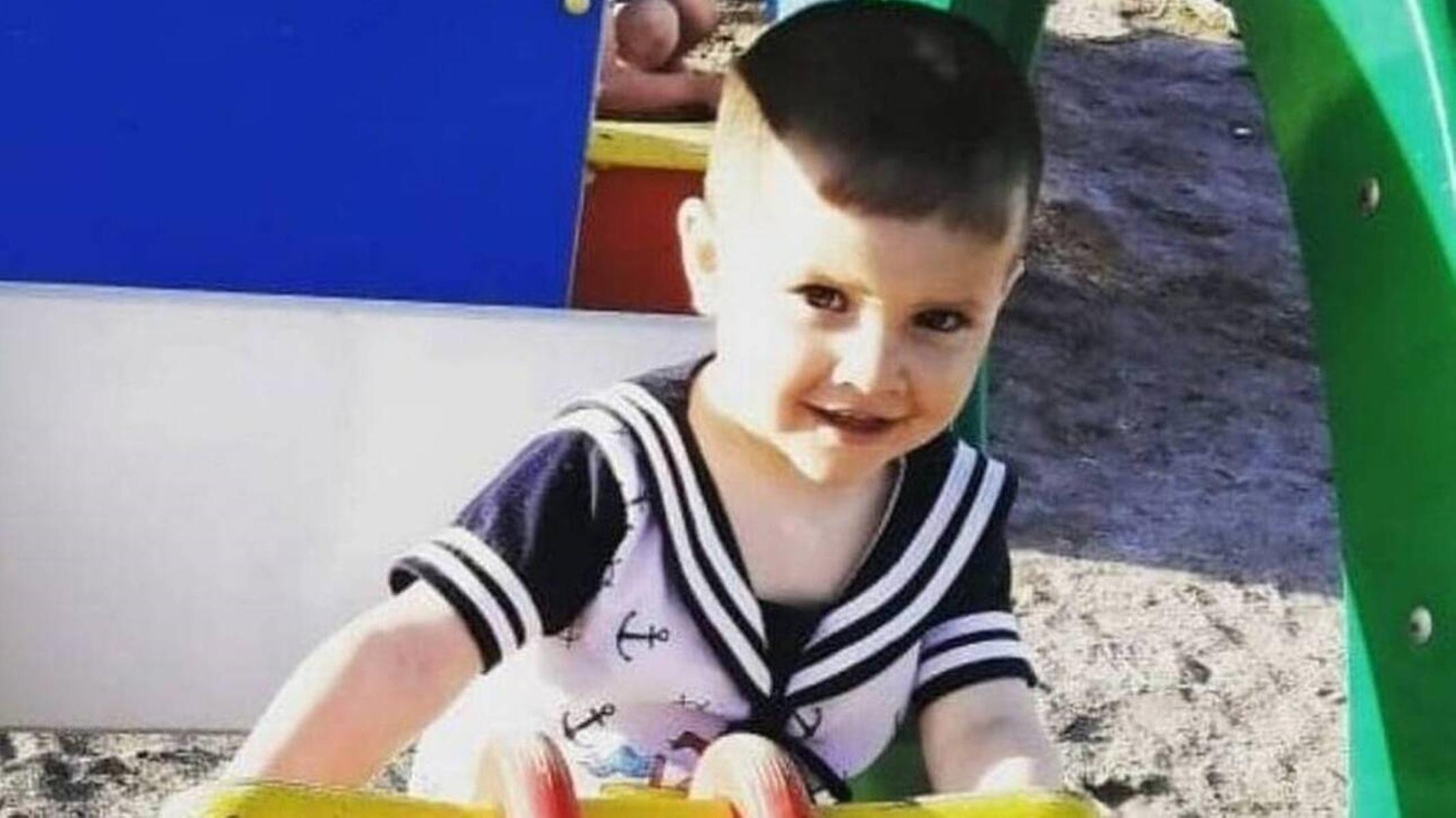 Θρήνος στη Ρωσία για τρίχρονο αγοράκι: Το ξυλοκόπησε ο πατριός του μέχρι θανάτου