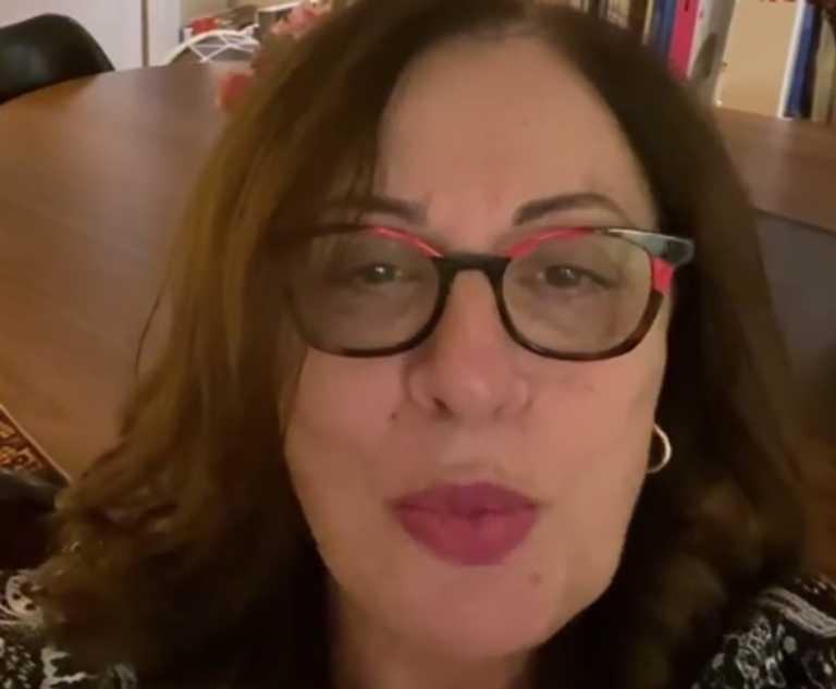 Χαρούλα Αλεξίου: 'Εκλεισε τα 70 και οι ευχές της είναι ανεκτίμητες (video)