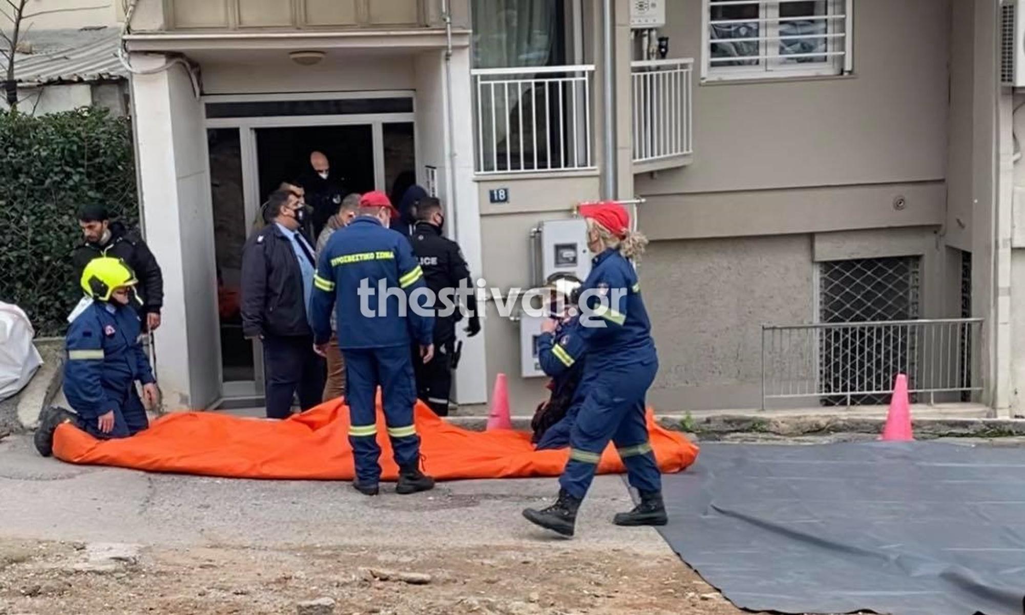 Θεσσαλονίκη: Αίσιο τέλος με τον 25χρονο που απειλούσε να αυτοκτονήσει πέφτοντας στο κενό