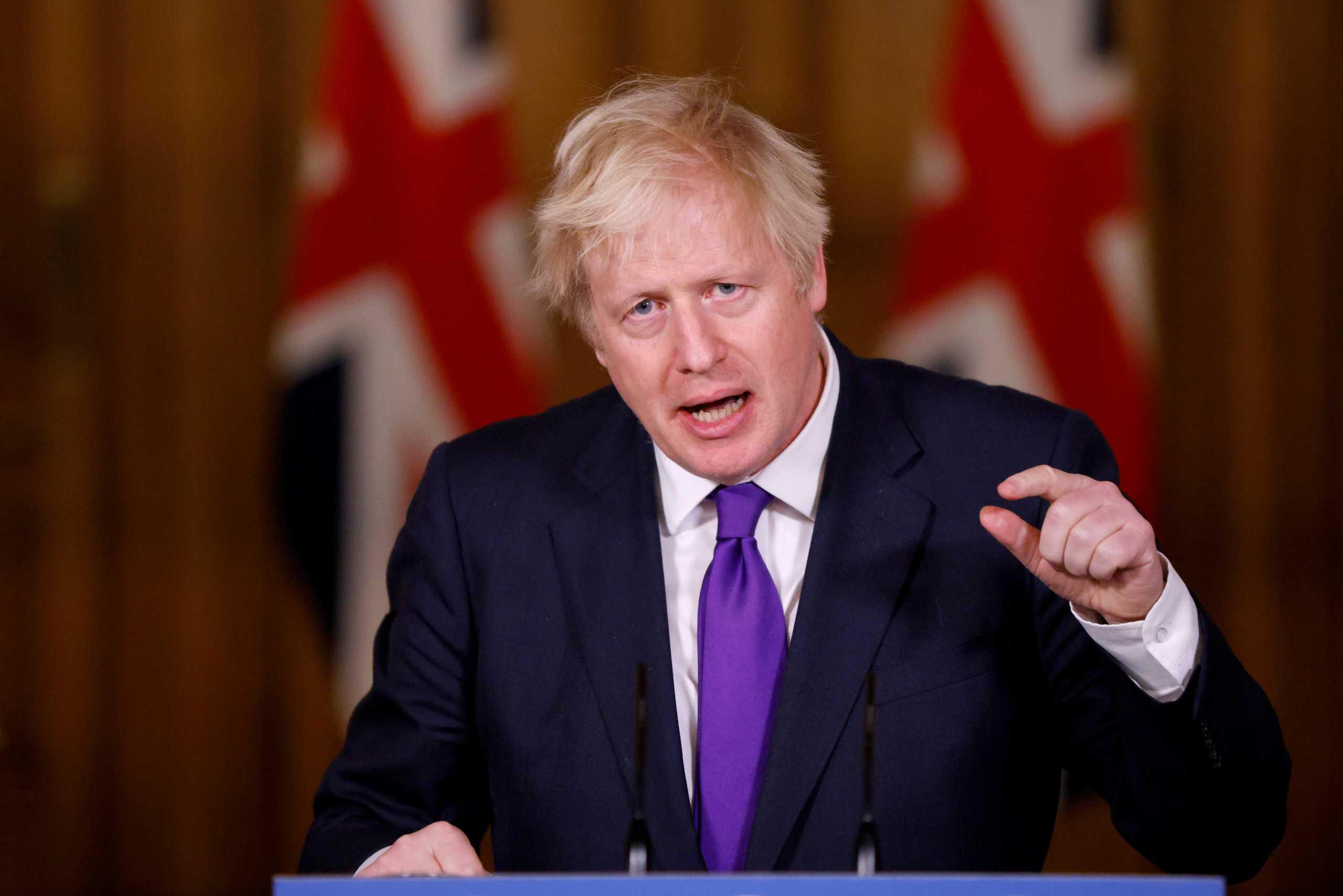 Βρετανία: Δημοσκόπηση κόλαφος για Τζονσον – Μπορεί να χάσει την έδρα του και την πλειοψηφία