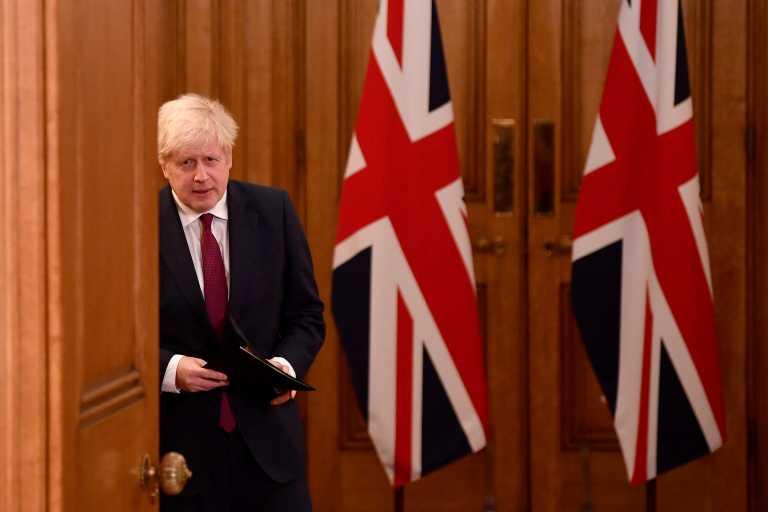 «Βόμβα» Τζόνσον: Πιο θανατηφόρα η βρετανική μετάλλαξη του κορονοϊού
