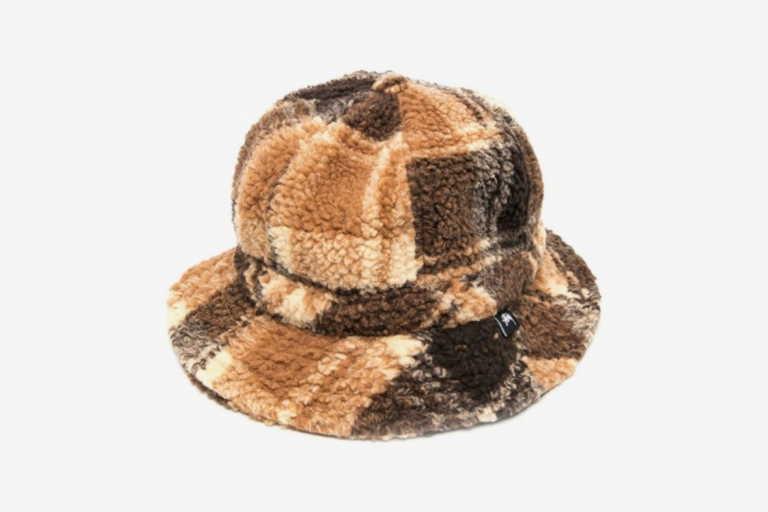 Το καπέλο που θα τραβήξει όλα τα βλέμματα πάνω σου αυτόν τον χειμώνα