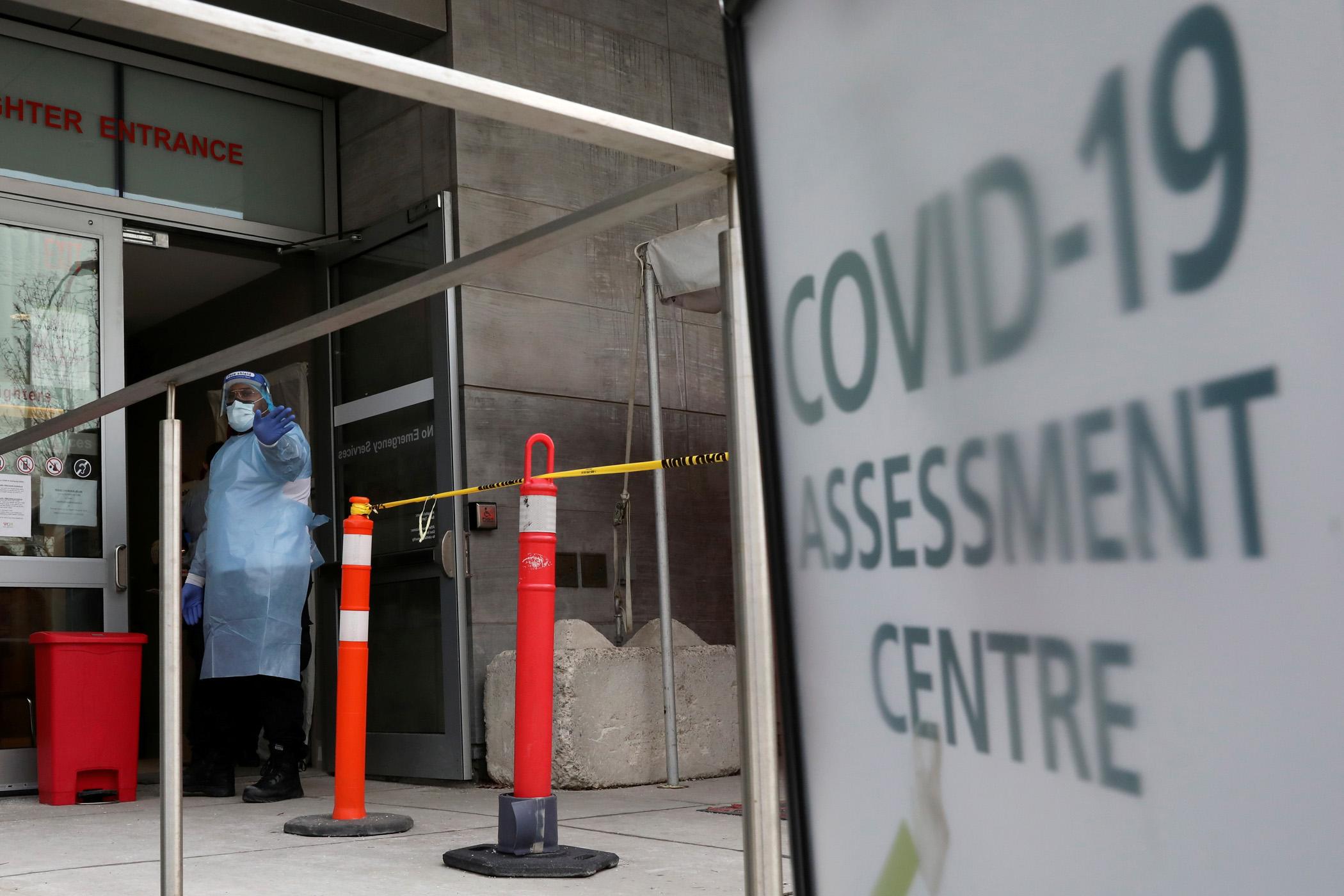 Μετάλλαξη κορονοϊού: Κρούσματα του βραζιλιάνικου και του νοτιοαφρικανικού στελέχους εντοπίστηκαν στον Καναδά
