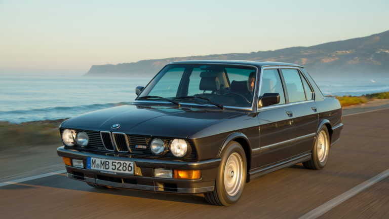 H BMW M5 των '80s ήταν ο ορισμός της σπορ μπερλίνας [pics]