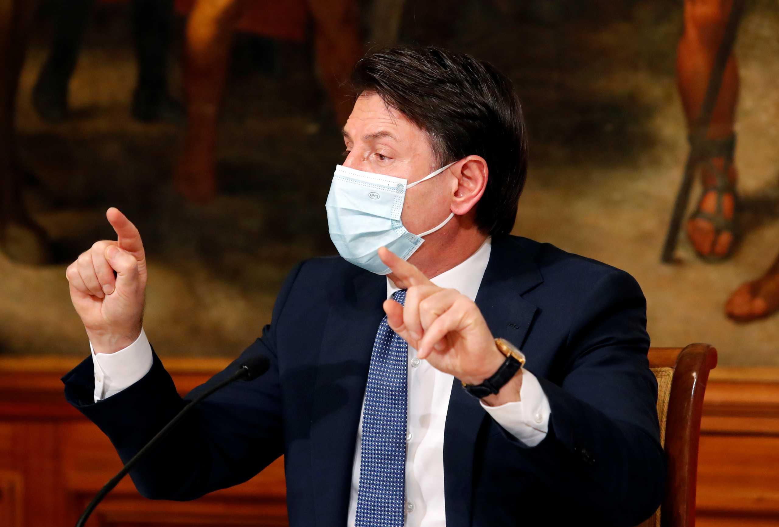 Κόντε: «Ο εμβολιασμός κατά του κορονοϊού δεν θα γίνει υποχρεωτικός»