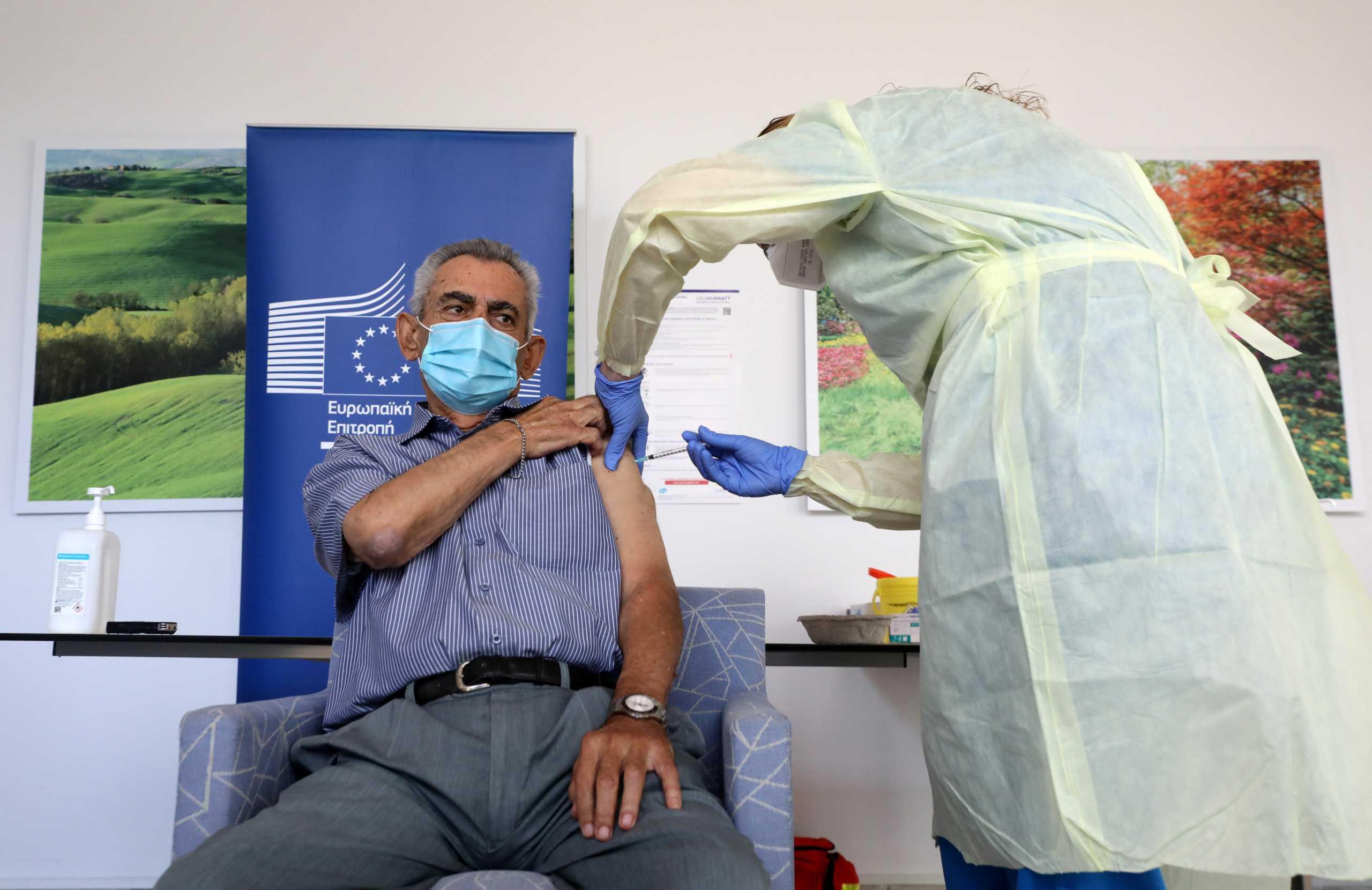 Ξεκίνησαν οι εμβολιασμοί και στην Κύπρο – Πότεεμβολιάζεται ο Αναστασιάδης (pics)