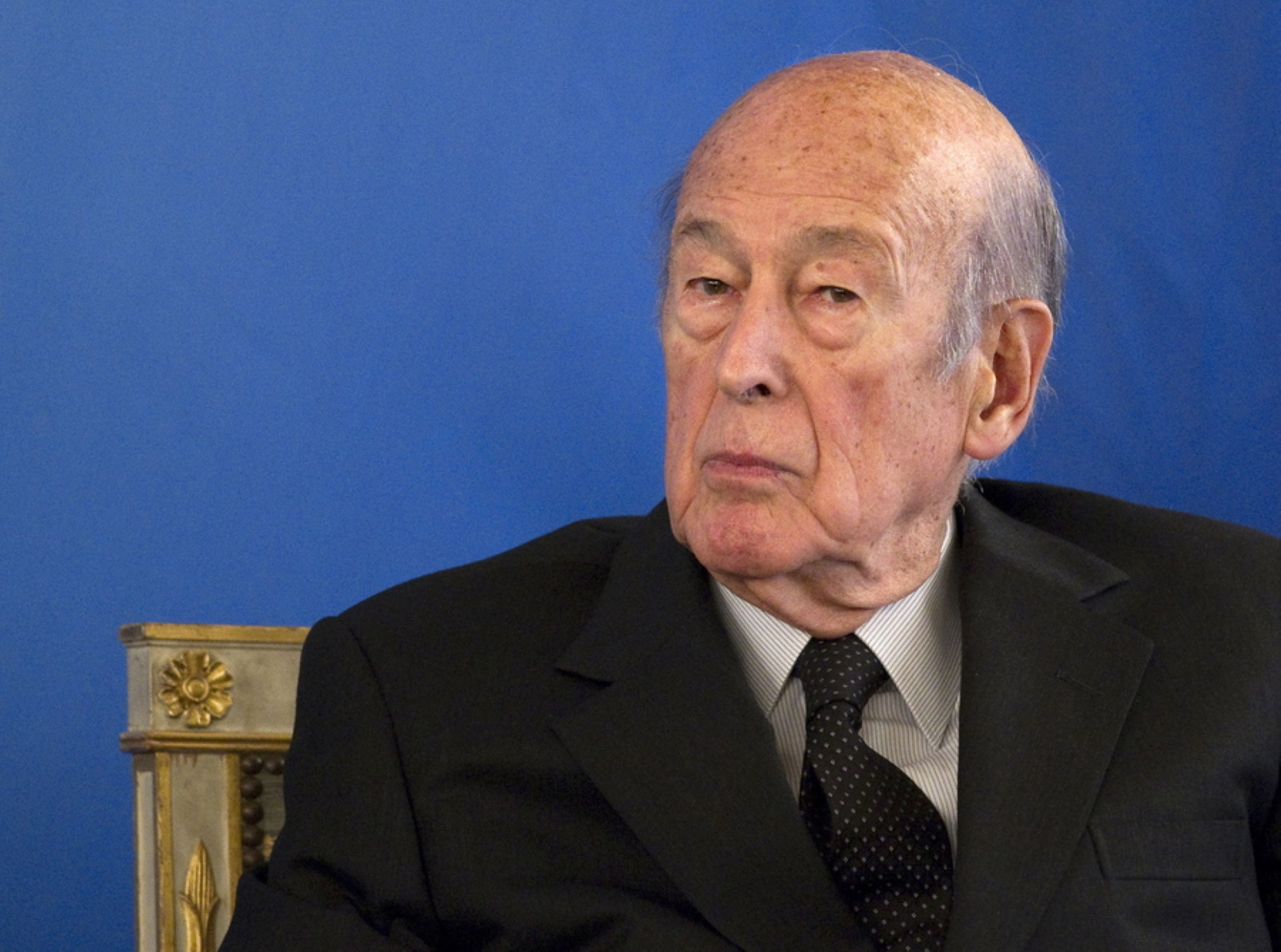 Γαλλία: Σε στενό οικογενειακό κύκλο η κηδεία του Βαλερί Ζισκάρ ντ' Εστέν – Hμέρα εθνικού πένθους η Τετάρτη