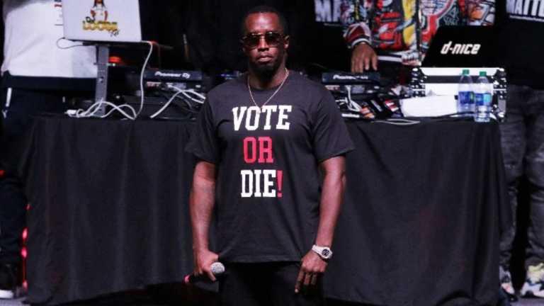 Ο Diddy μοίρασε χρήματα και δωροκάρτες σε κατοίκους του Μαϊάμι