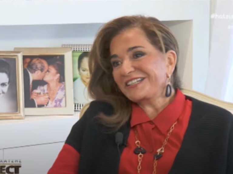 """Ντόρα Μπακογιάννη: Σχολιάζει τα θρυλικά """"σοκολατάκια""""! """"Με δουλεύουν ακόμη και τα παιδιά μου"""""""