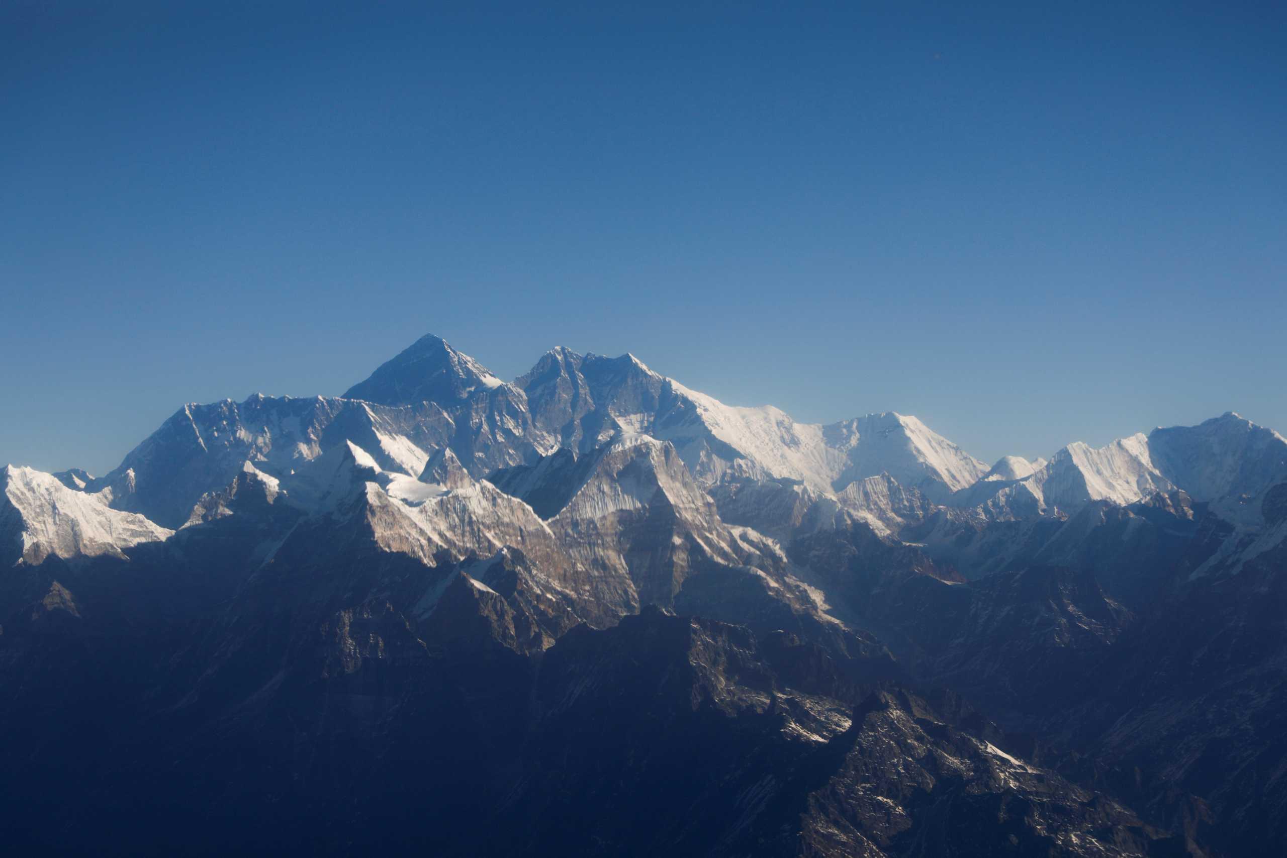 Το Έβερεστ ψήλωσε κατά περίπου ένα μέτρο – Τι συμφώνησαν Κίνα και Νεπάλ