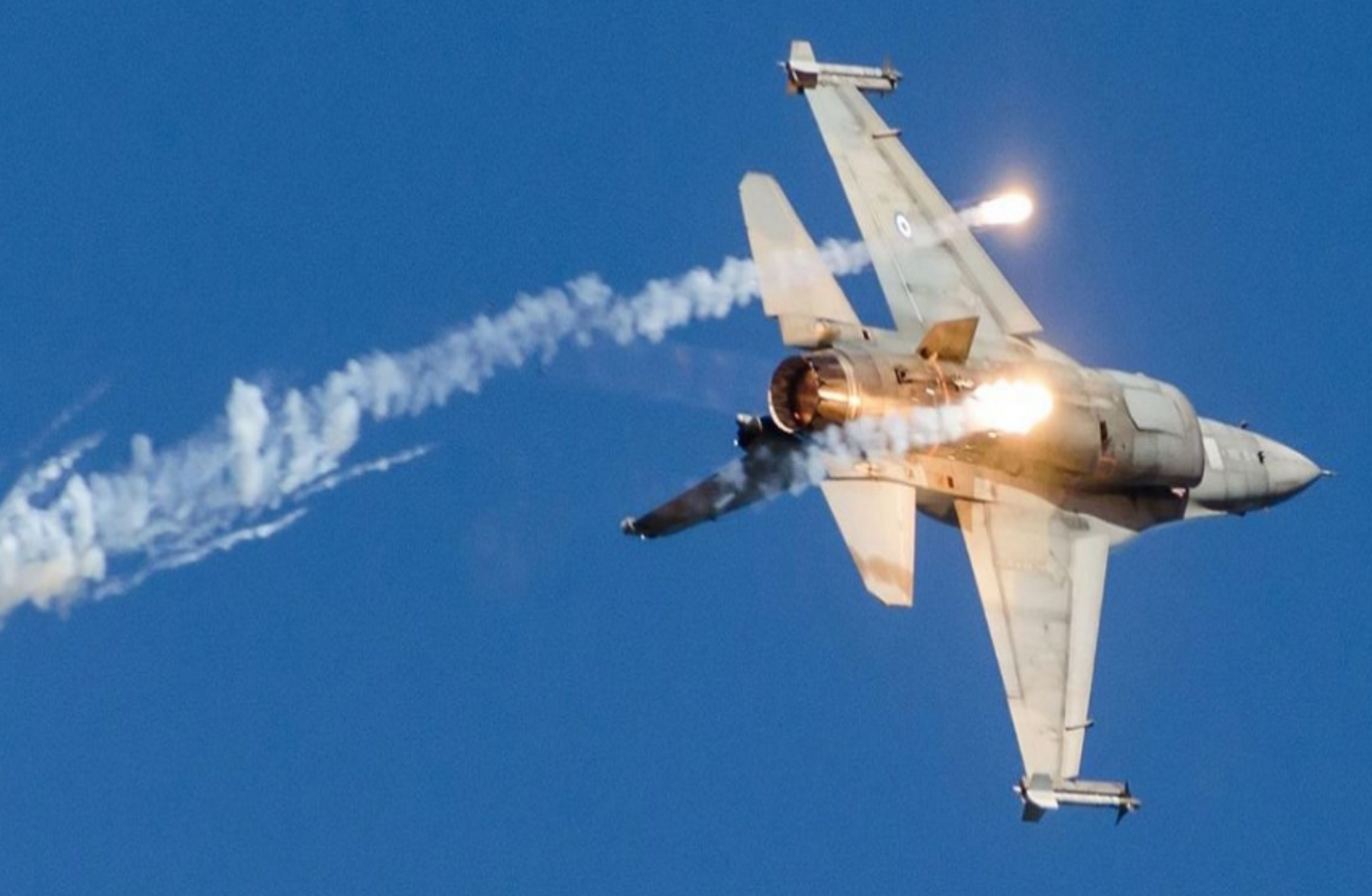 «Πράσινο φως» για την αναβάθμιση των ελληνικών μαχητικών αεροσκαφών F-16!