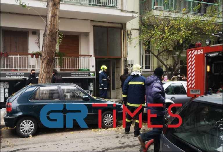 """Θεσσαλονίκη: Μαρτυρίες για τον 16χρονο που κάηκε ζωντανός στο φλεγόμενο διαμέρισμα! """"Ήθελε να ζεσταθεί"""" (Βίντεο)"""