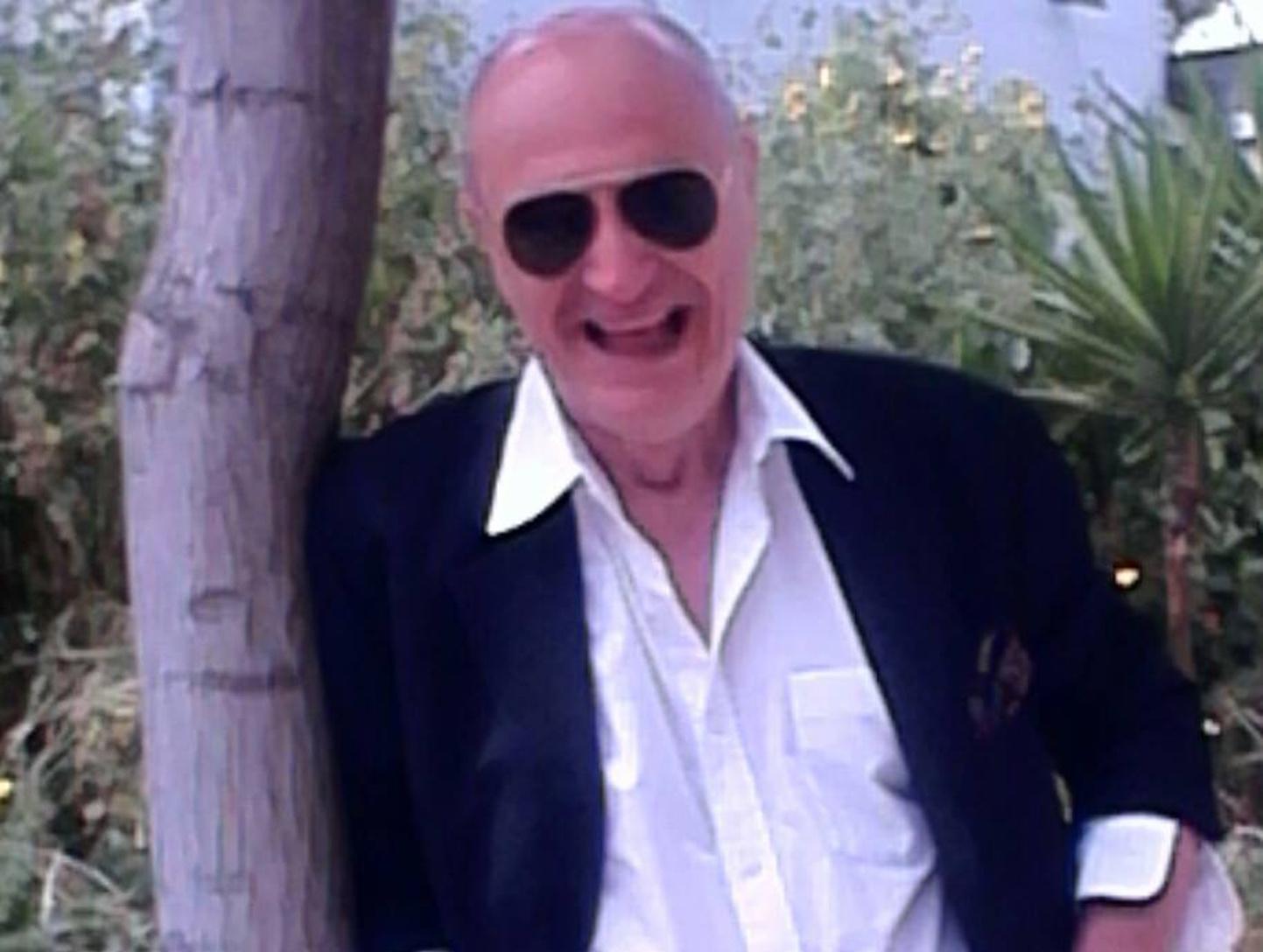 Έσβησε από κορονοϊό ο τραγουδιστής Χάρης Γαλανός – Έγραψε ιστορία στο Elysee του Λονδίνου