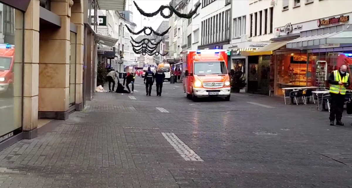 Γερμανία: Και ένα βρέφος μεταξύ των 4 νεκρών από την κούρσα θανάτου τζιπ σε πεζόδρομο γεμάτο κόσμο (pics, video)