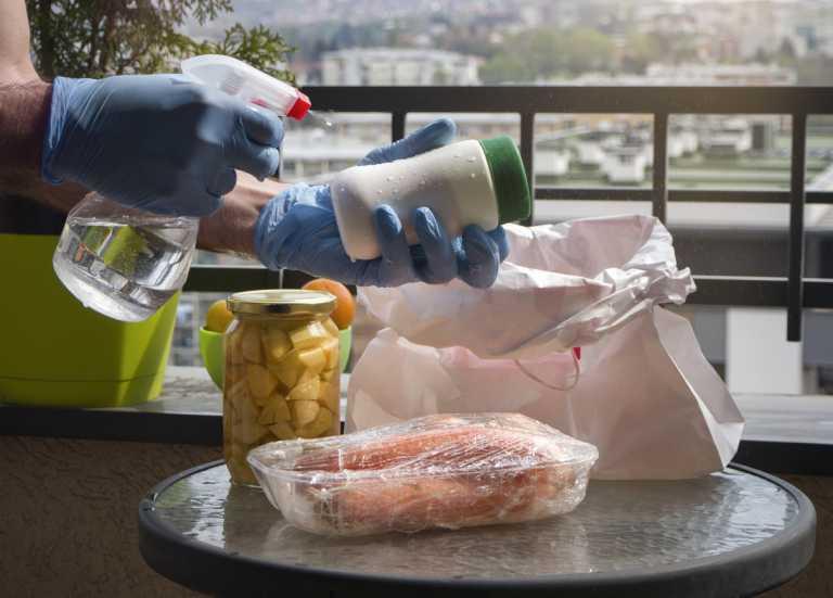 Κορονοϊός: Τι πρέπει να αλλάξουμε σχετικά με την απολύμανση, σύμφωνα με γιατρούς