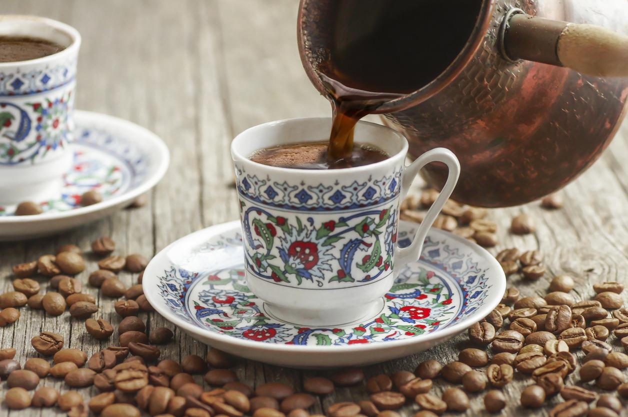Δυνητικά κακός για την υγεία ο ελληνικός καφές: Τι έδειξε έρευνα για το φιλτράρισμα του καφέ