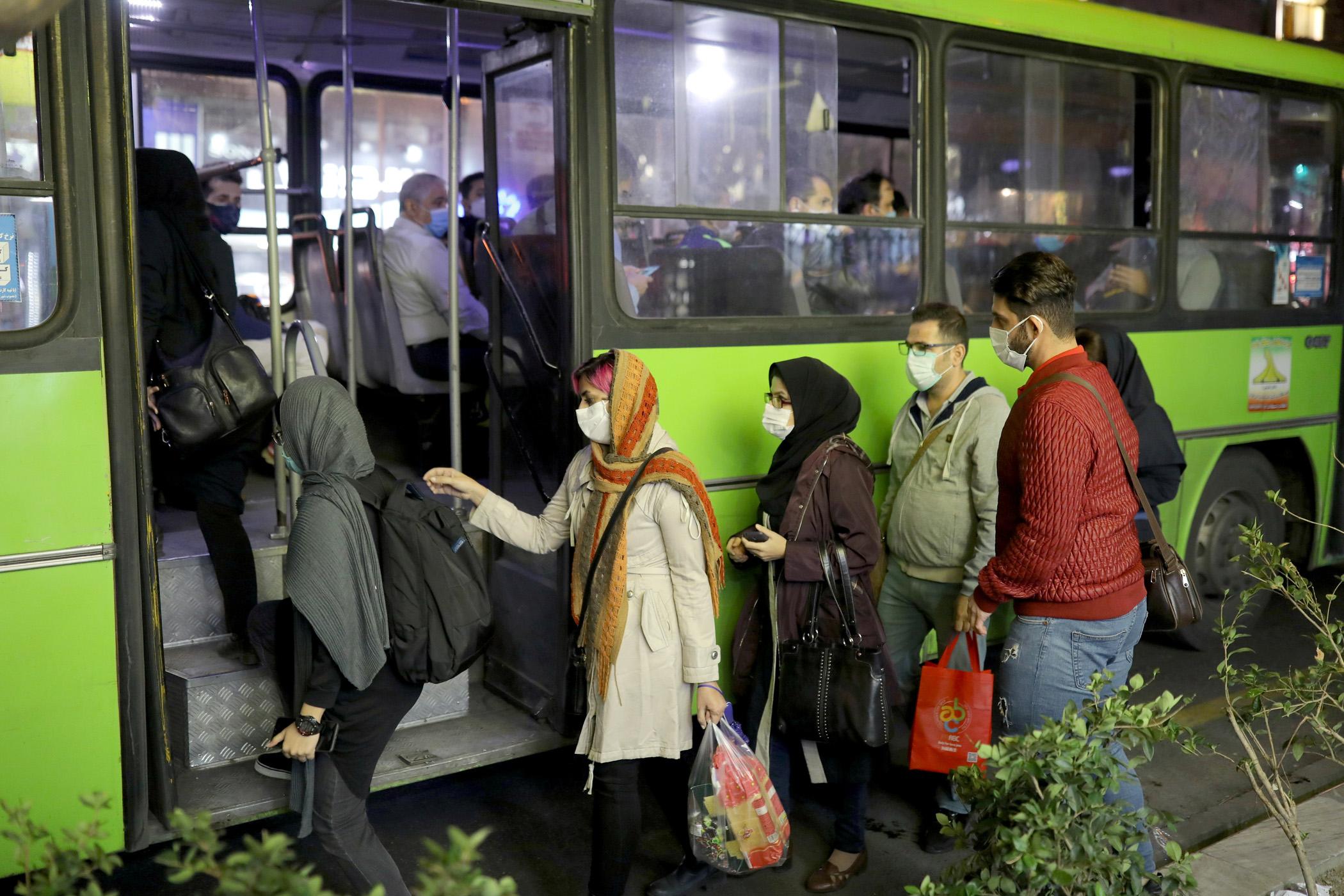 Πάνω από 50.000 νεκροί από κορονοϊό στο Ιράν