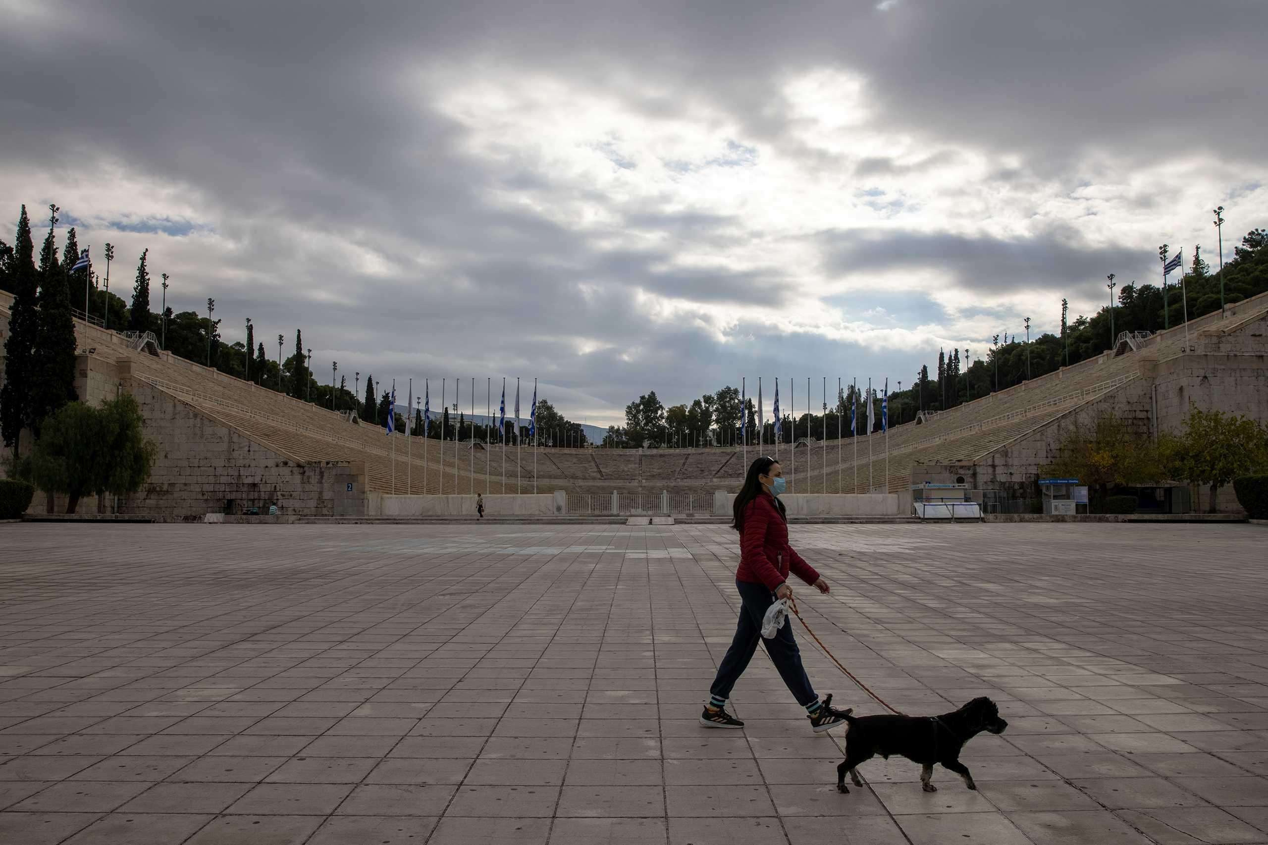 Κορονοϊός: «Κόκκινο» το κέντρο της Αθήνας – Πού εντοπίζονται τα 252 κρούσματα της Αττικής
