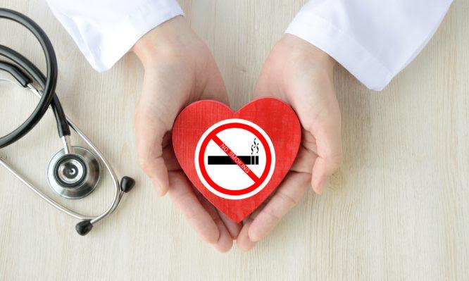Πάνω από 6 στους 10 ασθενείς με καρκίνο δεν κόβουν το κάπνισμα – Επιστημονικές λύσεις προτάθηκαν σε Παγκόσμιο Συνέδριο