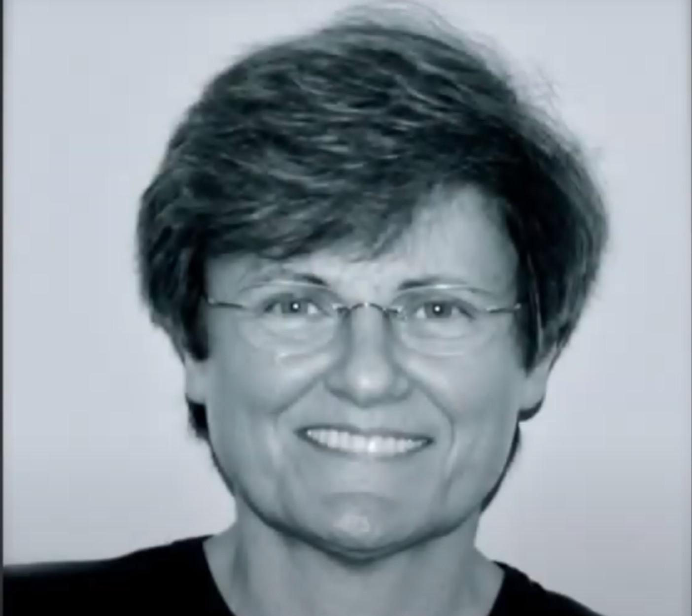 """Καταλίν Καρικό: Η επιστήμονας πίσω από την τεχνολογία του RNA που """"δίνει"""" το εμβόλιο κατά του κορονοϊού"""